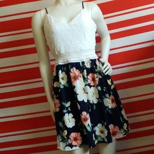 BRAND NEW!! FLORAL NAVY KNIT/LACE DRESS